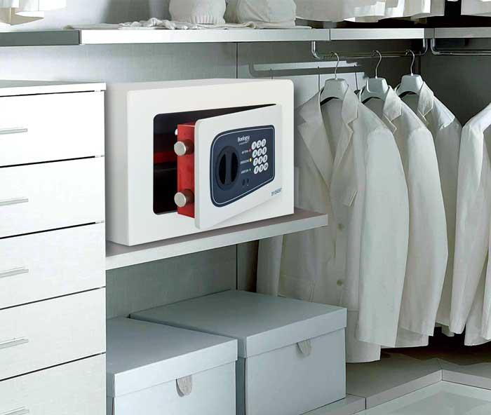 Guida alla scelta della cassaforte - Cassaforte a mobile casa ...